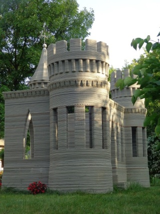 world-first-3d-printed-concrete-castle-9