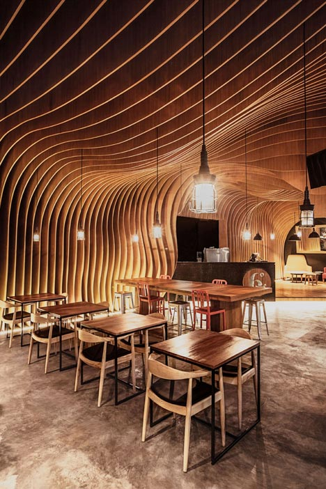 6-Degrees-Cafe-in-Indonesia-by-OOZN-Design_dezeen_8